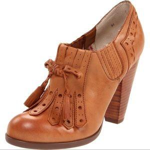 Seychelles Clue Tassel Leather Heels